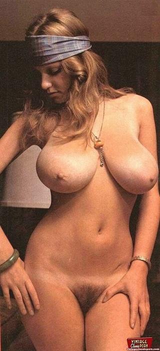 big breasted roberta pedon