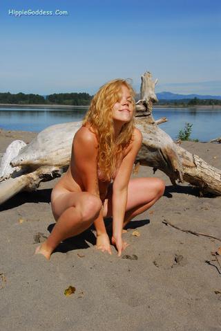 natural hairy blond hippie