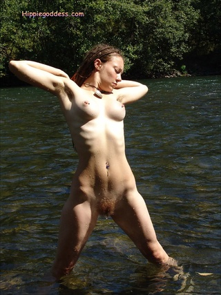 hairy hippie chick oozes