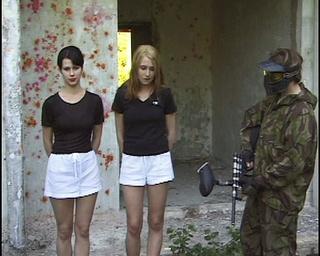 desnudas chicas bosque hunted