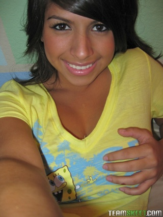 amateur dark haired teen