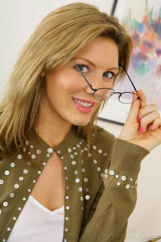 impresionante rubias nicole secretaria