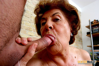 sex starving brunette granny