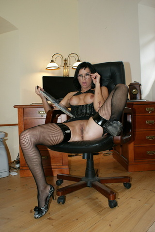 secretary renata black gets